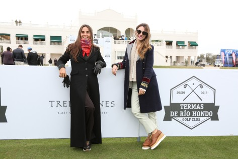 Juana Viale y Pampita en la inauguración de Termas de Río Hondo Golf Club (5).JPG