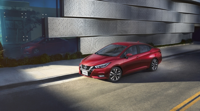 """Nuevo Nissan Versa reconocido como el """"Auto del año 2020"""""""