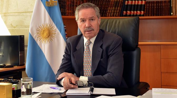 """Felipe Solá: """"Se tocó fondo en la división de los argentinos"""""""