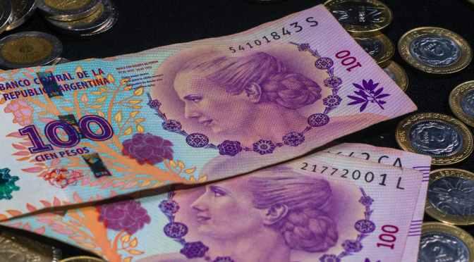Los salarios crecieron 2,3% mensual en junio