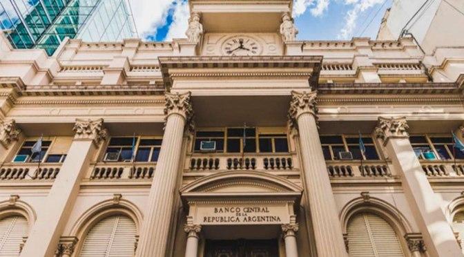 El BCRA sancionó a cuatro exportadoras por no ingresar las divisas