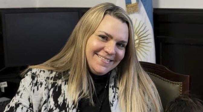 """Denunciaron a una senadora del PRO por pagarle a su empleada doméstica """"como dependiente del Senado bonaerense"""""""